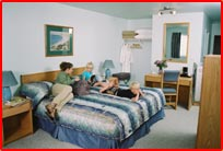Queen and King size beds at the New Horizon Motel