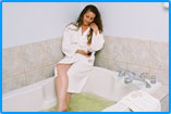King bedrooms or suites with jacuzzi tubs at the New Horizon Motel Christina Lake